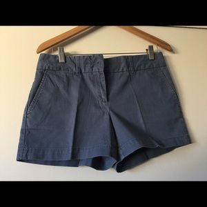 Ann Taylor Loft Gray Lead The Riviera short Size 2